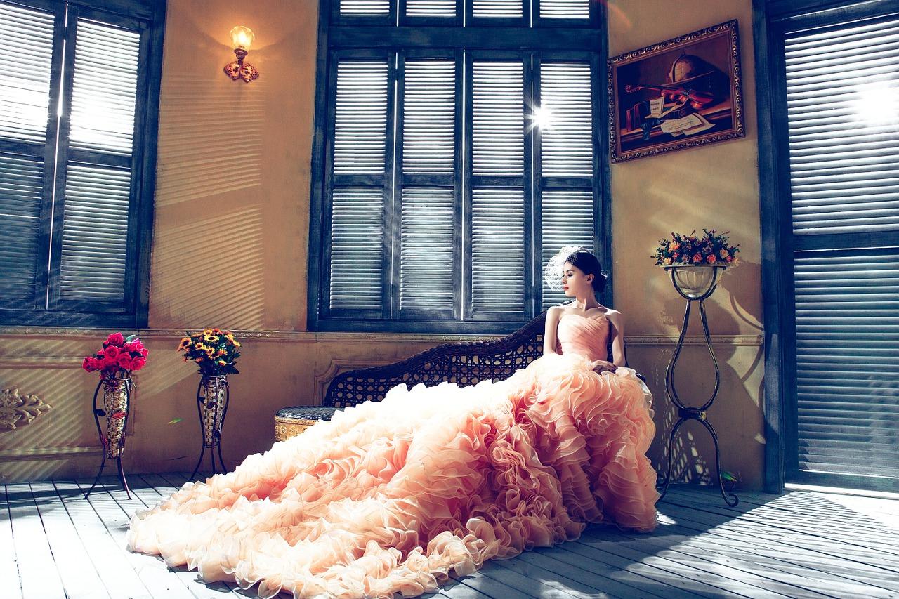 wedding-dresses-1486004_1280